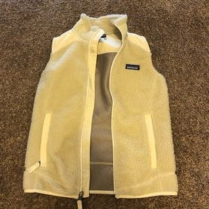 Cute fitted Patagonia vest! Worn once!!